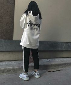 Lấy = Fllowing me Not me Ulzzang Fashion, Ulzzang Girl, 90s Fashion, Girl Fashion, Fashion Outfits, Fashion Design, Lazy Day Outfits, Cool Outfits, Casual Outfits