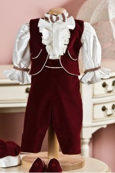 This christening suit for boys has silk jabot shirt, puffed sleeves and carefully crafted detailes, which make this suit an admirable choise, from Petite Coco. Baby Boy Christening Suit, Boys Suits, Dress Codes, Winter Collection, Costumes, Silk, Elegant, Chic, Sleeves