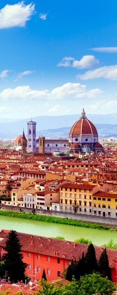 Arno river and Florence Duomo cathedral, Italy   |  45 Reasons why Italy is One of the most Visited Countries in the World
