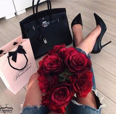 luxo estilo de vida marketing: 3 maneiras de apelar para o estilo de vida . Glamour, Rosen Box, Luxury Lifestyle Fashion, Wealthy Lifestyle, Michael Johnson, Luxe Life, Lauren, Rich Girl, Skinny