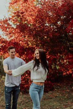 Merrick & River: Couples Session - Wedding Information 2020 Photo Poses For Couples, Couple Picture Poses, Couple Photoshoot Poses, Cute Couples Photos, Engagement Photo Poses, Couple Photography Poses, Autumn Photography, Engagement Photography, Fall Couple Pictures