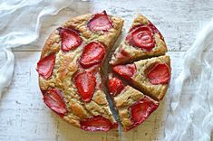 Fit ciasto bananowe z truskawkami | – Dietetyczne przepisy – My Favorite Food, Favorite Recipes, My Favorite Things, Recipe Images, Something Sweet, Pepperoni, Delish, Deserts, Food And Drink