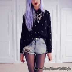 Pastel Goth Outfit idea: Denim Shorts, Tights, Cross Print Single Breasted Chiffon Shirt With High Low Hem and Pink Hair 90s Grunge, Estilo Grunge, Grunge Hair, Pastel Goth Fashion, Hipster Fashion, Grunge Fashion, Fashion Hair, Visual Kei, Rocker Girl