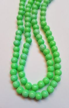 50 x Baked Glass Beads - Round - 6mm - Green