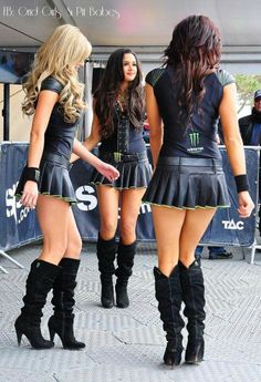 21 Images Showing Us Why Monster Energy Girls Are The Best! Filles Monster Energy, Monster Energy Girls, Monster Girl, Grid Girls, Car Show Girls, Short Skirts, Mini Skirts, Sublime Creature, Blake Lovely