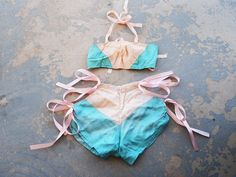 amazing!!  -vintage 20s Burlesque Dance Costume - Pink and Teal Silk Bikini
