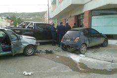Tres autos protagonizaron un violento choque http://www.ambitosur.com.ar/tres-autos-protagonizaron-un-violento-choque/ El accidente se registro en horas del mediodía de este martes en la esquina de Urquiza y Ameghino cuando por motivos que se tratan de establecer colisionaron un Fiat Palio y un Chevrolet Corsa. El primer rodado impactó contra un Ford Ka que estaba estacionado, el cual chocó el frente