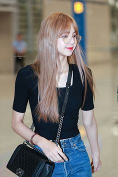 Uploaded by A. Find images and videos about blackpink, lisa and lalisa manoban on We Heart It - the app to get lost in what you love. Black Wallpaper For Girls, Girl Wallpaper, Kim Jennie, Blackpink Lisa, Blackpink Fashion, Korean Fashion, Forever Young, Square Two, Lisa Black Pink