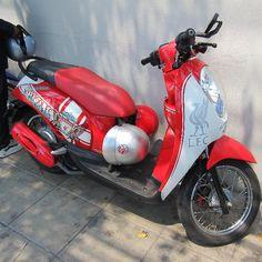 Saw a Liverpool FC scooter - Bangkok #LFC