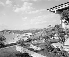 """Asteras"" beach, Vouliagmeni, Athens 1961 Photo by Dimitris Harissiadis Benaki Museum Photographic Archives Old Photos, Vintage Photos, Greece History, Greek Town, Benaki Museum, End Of An Era, As Time Goes By, Athens Greece, Old City"