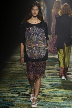 Dries Van Noten Spring 2015 Ready-to-Wear Collection Photos - Vogue