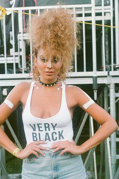 I believe that this is Vanessa Williams' daughter, Jillian Hervey. Black Girl Magic, Black Girls, Black Women, Afro Punk Fashion, Black Hippy, Lgbt, Vanessa Williams, Normcore, African American Hairstyles