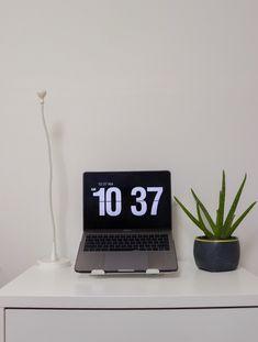 FLIP CLOCK SCREEN SAVER FOR WINDOWS & MAC   BY PRENCA Clock Screensaver, Flip Clock, Mac, Windows, Window, March, Ramen, Poppy