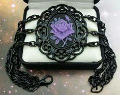 Gothic necklace. Trovata su Facebook
