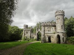 Medieval Ballysaggartmore Castle, Ireland in Lismore, County Waterford, Ireland Chateau Medieval, Medieval Castle, Castle Ruins, Castle House, Beautiful Castles, Beautiful Places, Oh The Places You'll Go, Places To Visit, Photo Chateau
