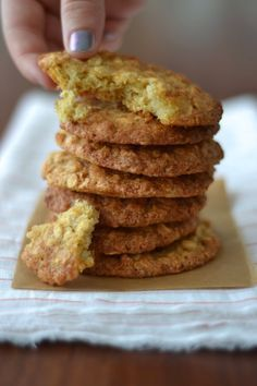 Discover recipes, home ideas, style inspiration and other ideas to try. Healthy Biscuits, Healthy Cookies, Pancake Recipe Without Eggs, Biscotti, Healthy Protein Breakfast, Pancake Healthy, Healthy Eating, Desserts With Biscuits, Healthy Sugar
