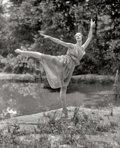 "June 30, 1925. ""Madame Lubouska, National American Ballet."" The Russian dancer Desiree Lubowska."