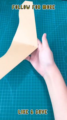 Best Paper Plane, Make A Paper Airplane, Airplane Crafts, Cool Paper Crafts, Paper Crafts Origami, Easy Diy Crafts, Man Crafts, Crafts For Girls, Diy For Kids