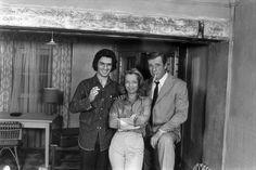 Le 13 octobre, c'est l'anniversaire d'Yves Montand & de Sami Frey*  Image : Romy Schneider avec Sami Frey et Yves Montand, 1972  (tournage du film « César et Rosalie » de Claude Sautet)