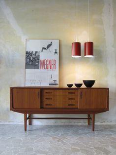 60s modern danish teak Sideboard - Fog & Morup danish ceiling lamps - Krenit bowls designed by Herbert Krenchel in 1953, Denmark - www.capperidicasa.com