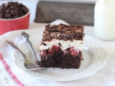 Make this festive season unforgettable for family and friends and add a sweet touch of this heavenly ingredient to each dish. Fruit Recipes, Cupcake Recipes, Layered Desserts, Homemade Whipped Cream, Fudge Sauce, Poke Cakes, Chocolate Cake Mixes, Take The Cake, Hot Fudge