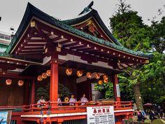 Asakusa Sanja Matsuri 5/10 And of course Asakusa Jinja's stage is always filled with musicians playing matsuri music! #Asakusa, #Sanja, #Matsuri, #stage, #music, #Jinja May 16, 2015 © Grigoris A. Miliaresis