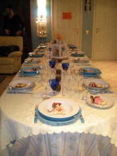 tavola elegante, sobria e piacevolmente accogliente