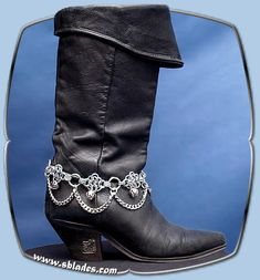 Chainmail More Diamond ankle boot chains, Chainmail jewelry, Gothic metal wear Boot Bracelet, Chainmaille Bracelet, Ankle Bracelets, Jewelry Crafts, Jewelry Art, Jewelry Design, Wire Jewelry, Handmade Jewelry, Jewellery