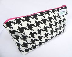 Black and white Houndstooth with pink Zipper Cosmetic Bag - Makeup Bag Houndstooth, Cosmetic Bag, Claire, Cosmetics, Zipper, Black And White, Patterns, Trending Outfits, Unique Jewelry