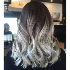"""""""I Balayaged over pre-lightened hair with Goldwell Silk Lift+30vol(9"""