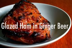 Easy, fun to make and delicious. This glazed ham is first cooking in ginger beer. It& ginger ham at its best. Recipe serves 6 to 8 people. Christmas Meat, Christmas Cooking, Homemade Christmas, Family Christmas, Ham Recipes, Dinner Recipes, Cooking Recipes, Recipies, Boxing Day Food