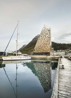 The Norwegian Mountaineering Center is anchored in an innovative interpretation of nature's fantastic dimensions and the dramatic experience of mountaineerin...