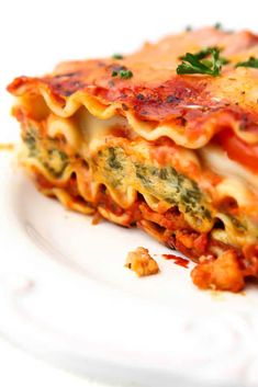 This classic tasting vegan lasagna is the best veggie lasagna that you'll ever eat! Packed with healthy veggies, meaty vegan sausage, creamy vegan ricotta, and topped with melty vegan mozzarella cheese, this lasagna can't be beaten! Easily made gluten-free too! thehiddenveggies.com #vegan #thehiddenveggies Vegan Lasagna Recipe, Vegan Dinner Recipes, Vegan Dinners, Veggie Recipes, Vegan Foods, Vegan Vegetarian, Vegetarian Recipes, Cooking Recipes, Healthy Recipes