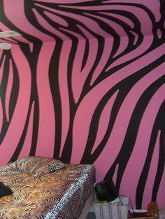 zebra bedroom on pinterest zebra wallpaper zebras and zebra print