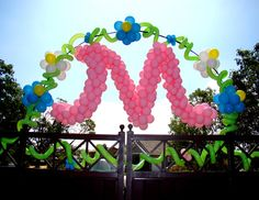 balloon arch by my friends Danny and Bambi! Hi from Jeanne Cockcroft. Love Balloon, Balloon Flowers, Balloon Wall, Balloon Arch, Balloon Ideas, Wedding Balloon Decorations, Balloon Centerpieces, Wedding Balloons, Birthday Decorations