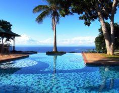 Book a stay at Bumi Hills through Zimbabwe Bookers!