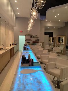 Home Nail Salon, Nail Salon Design, Nail Salon Decor, Beauty Salon Decor, Beauty Salon Interior, Beauty Salon Design, Luxury Nail Salon, Beauty Salons, Beauty Studio