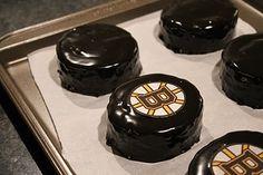 hockey puck brownies. amazing.