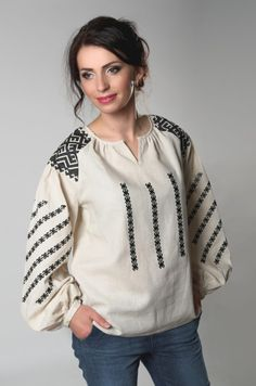 Hand Embroidery Art, Embroidery Fashion, Modern Embroidery, Embroidered Clothes, Embroidered Blouse, Ukraine, Kurti With Jeans, Mexican Dresses, Girl Fashion