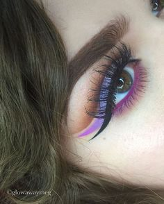dinsta Makeup Geek, Skin Makeup, Makeup Inspo, Makeup Art, Makeup Inspiration, Makeup Tips, Beauty Makeup, Bright Eye Makeup, Colorful Makeup