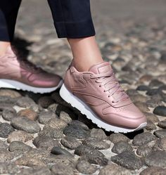 reebok-classic-leather-pearlized-rose-gold-white-girlsonmyfeet