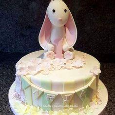 #1stbirthdaycake #rabbittopper #rabbitbirthdaycake #birthdaycake #Dartford #cake #greenhithe
