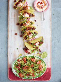 Pork Tacos with spicy black beans and avocado and apple salad - Tacos di maiale (pancetta) con fagioli neri speziati e insalata di avocado e mela - Jamie Oliver