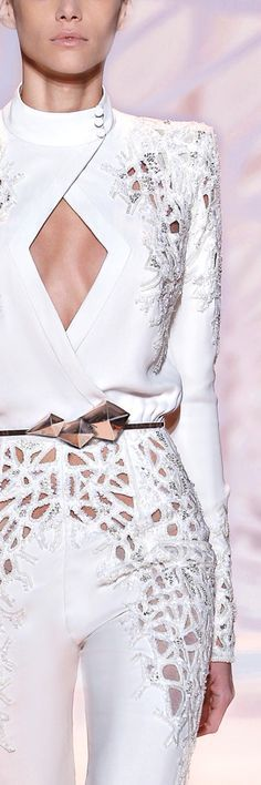 Zuhair Murad 2015 WHITE • HAUTE • CHIC • ❤️ Babz ✿ιиѕριяαтισи❀ #abbigliamento