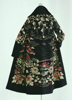 """Mandarin"" Coat, Paul Poiret, Paris, France: ca. 1923, wool twill with chain-stitch embroidery, lined with crêpe de Chine."
