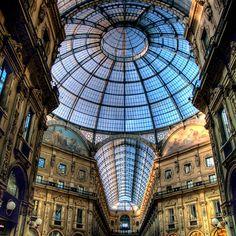Galleria Vittorio Emanuele, Milan - check.