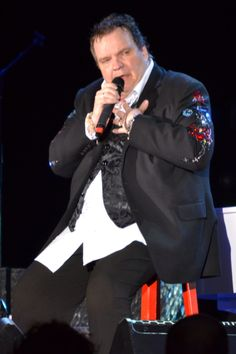 Meatloaf singing at Glasgow in May 2013