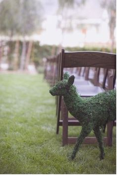 topiary deer...he would like at his daughters and sons wedding ha lol