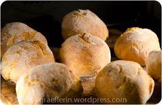 Backen mit Pizzastein: Kartoffel-Milchbrötchen