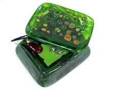 "another view of ""springtime"" art glass box R$555"